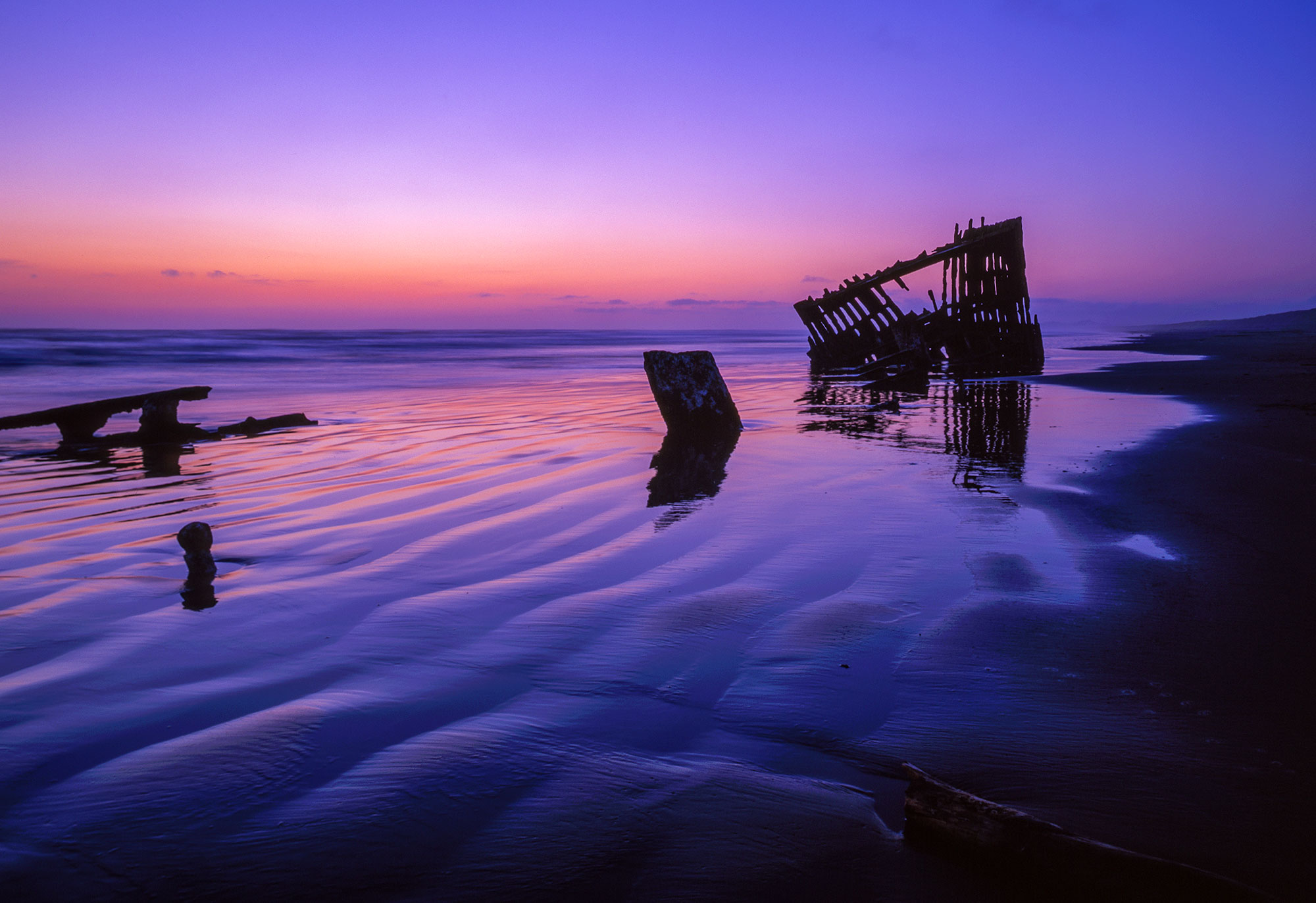 Wreck of the Peter Iredale on the Pacific Coast, Oregon near Astoria.